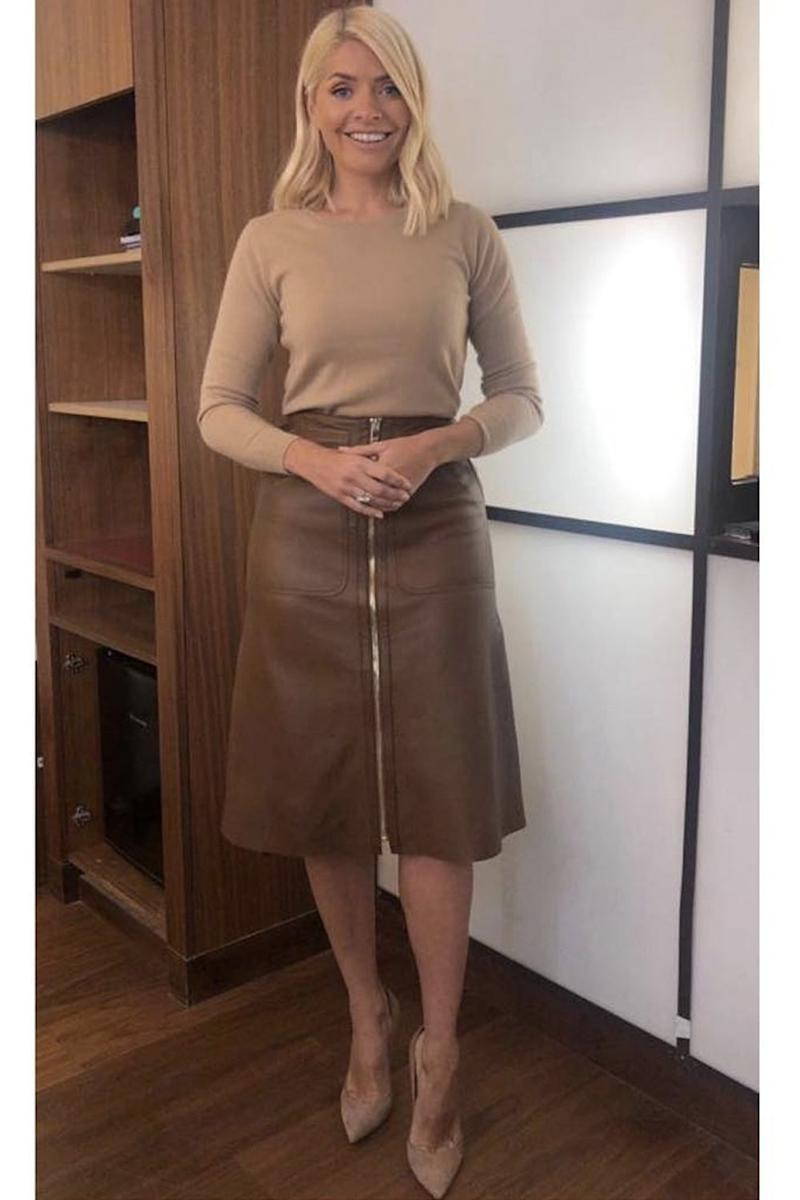 6cd0cc32b6065d Style Notes: Yup, beige-on-beige is still going strong, and Holly commits  to the trend with a Massimo Dutti brown leather skirt and Pure Collection  knit.