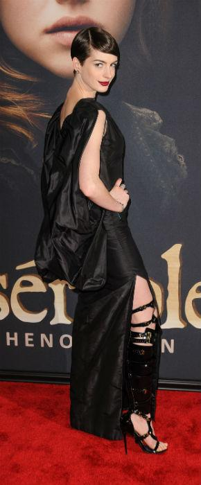 Anne Hathaway Proves She Can't Look Good In A Bin Bag At Les Miserables Premiere