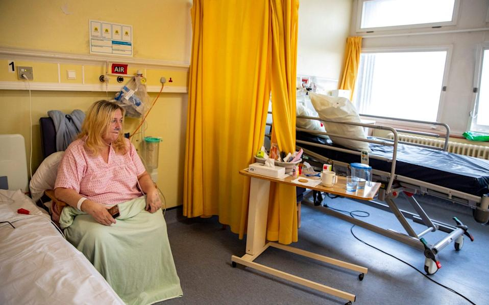 Elisabeth Cook on the 6 North Covid Ward, the adjacent bed was cleared earlier today after the patient passed away - Heathcliff O'Malley for the Telegraph