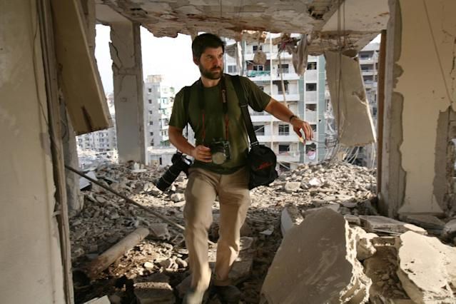Chris Hondros in southern Beirut, Aug. 21, 2006. (Photo: Getty Images)