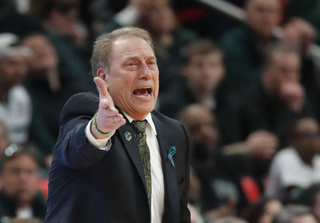 Michigan State head coach Tom Izzo argues during the second half of an NCAA men's college basketball tournament second-round game against Syracuse in Detroit, Sunday, March 18, 2018. (AP Photo/Paul Sancya)