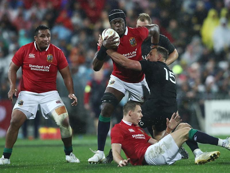 Maro Itoje attempts to break free of a tackle (Getty)