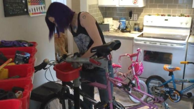Woman fixes hundreds of bikes in her kitchen and gives them to Calgary kids
