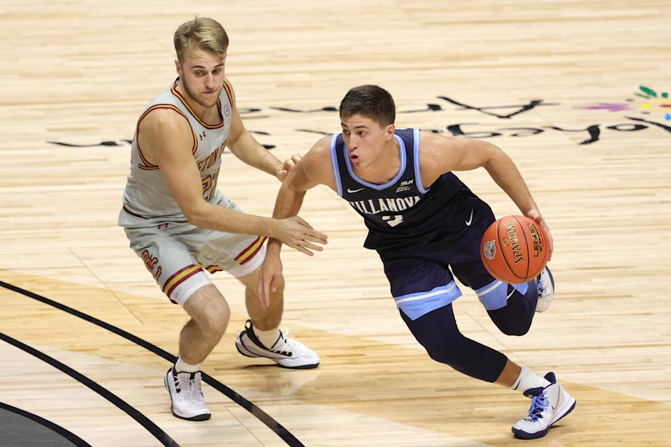Rich Kelly of the Boston College Eagles defends Collin Gillespie of the Villanova Wildcats during a game on Nov. 25, 2020. (Maddie Meyer/Getty Images)