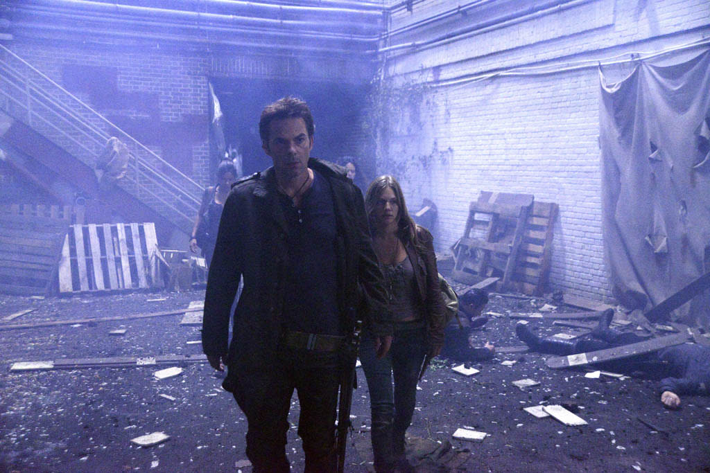 """Ties That Bind"" Episode 108 -- Pictured: (l-r) Billy Burke as Miles Matheson, Tracy Spiridakos as Charlie Matheson"
