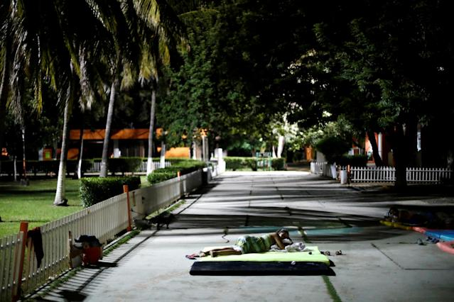 <p>A resident rests at a shelter after an earthquake struck off the southern coast of Mexico late on Thursday, in Juchitan, Mexico, Sept. 8, 2017. (Photo: Edgard Garrido/Reuters) </p>