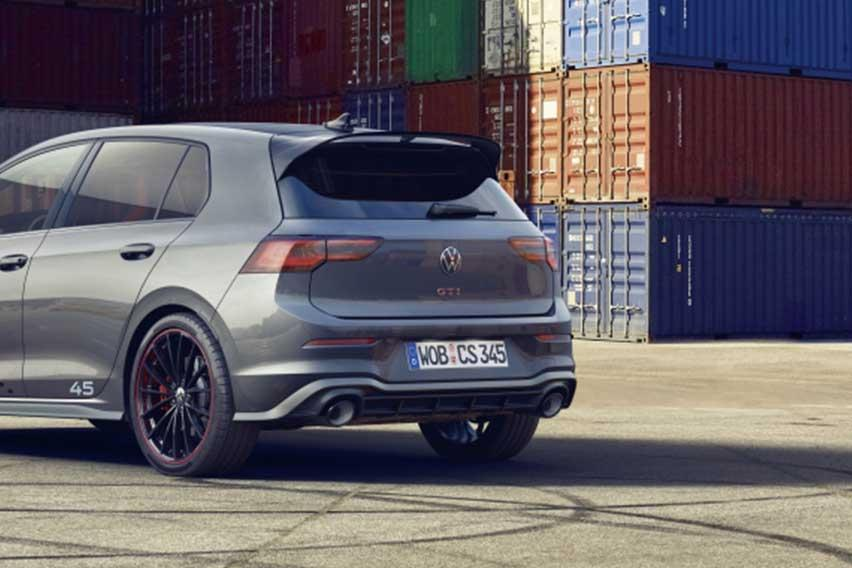VW-Golf-GTI-Clubsport-45-rear