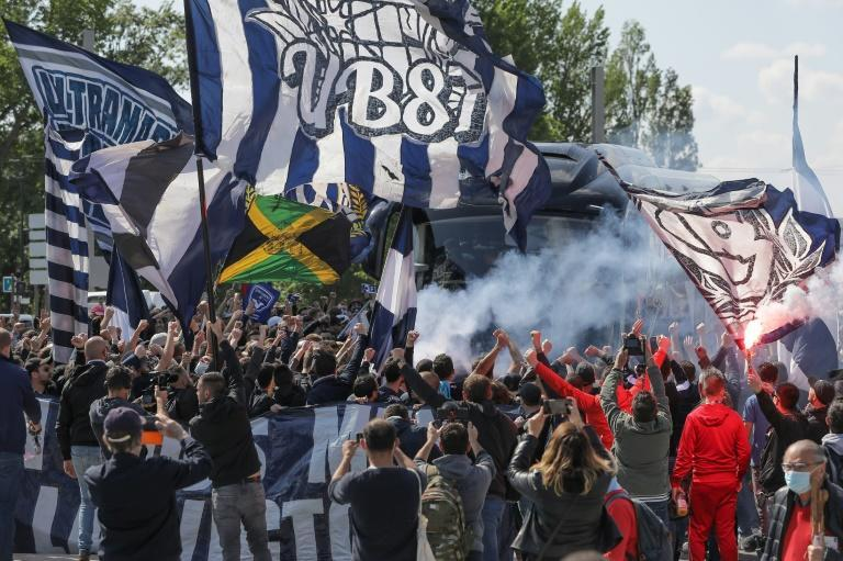 Bordeaux fans put on a show of support for the struggling Ligue 1 club ahead of their game against Rennes