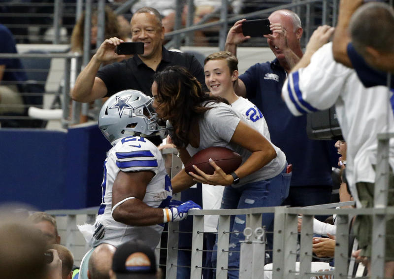 Dawn Elliott, right, the mother of Dallas Cowboys RB Ezekiel Elliott, came to her son's defense. (AP Photo/Michael Ainsworth)