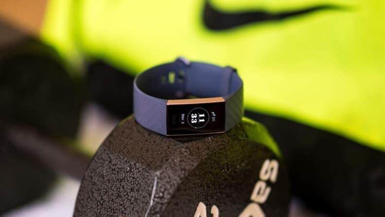 Christmas gifts for mom 2019: Fitbit Charge 3