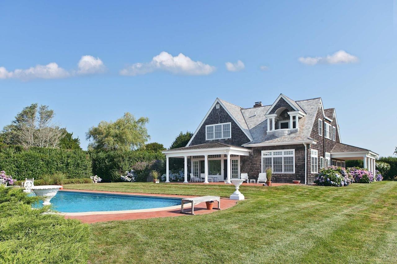 The grey gardens carriage house is for sale for Harry slatkin east hampton