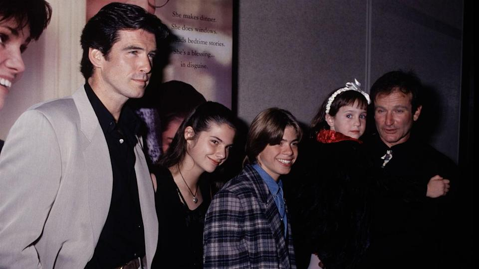 Pierce Brosnan, the Hillard children and Robin Williams (Credit: Life Picture Collection/Entertainment Tonight)