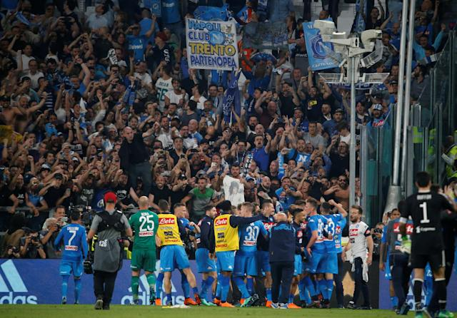 Soccer Football - Serie A - Juventus v Napoli - Allianz Stadium, Turin, Italy - April 22, 2018 Napoli players celebrate after the match with fans REUTERS/Stefano Rellandini