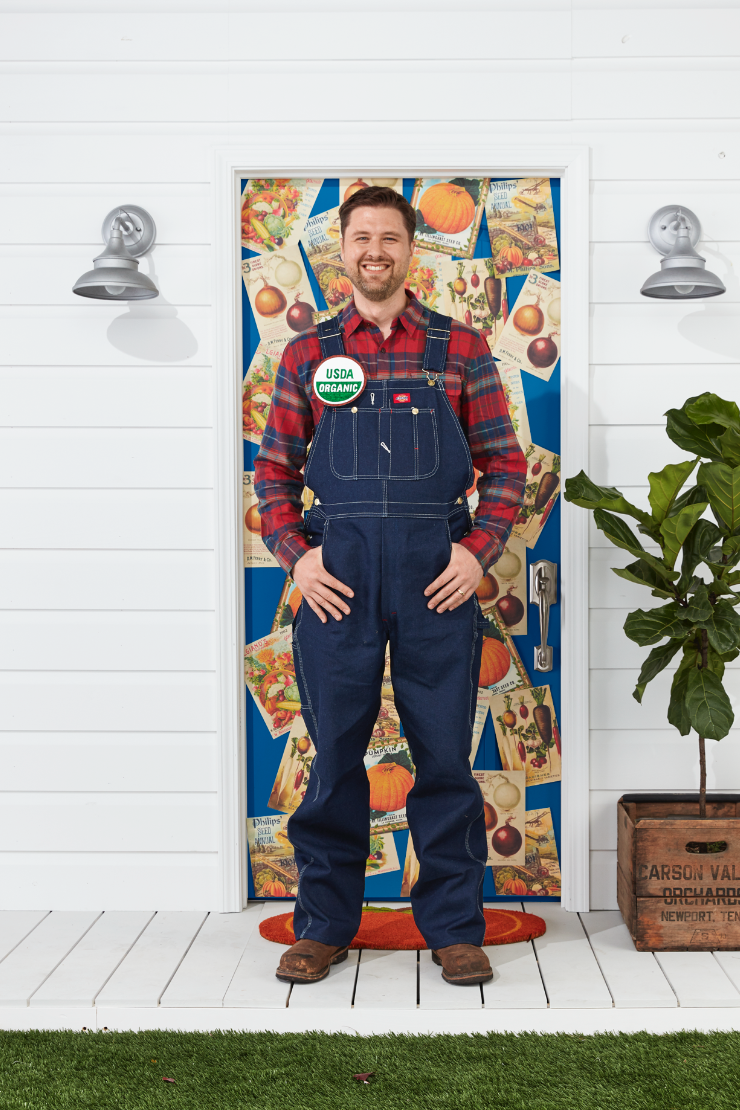 """<p>Though all you really need is a flannel and a pair of overalls to put together this look, a handcrafted """"USDA Organic"""" pin really brings it all together. </p><p><a class=""""link rapid-noclick-resp"""" href=""""https://www.amazon.com/Dickies-Overall-Indigo-34-36/dp/B0036GCM56?tag=syn-yahoo-20&ascsubtag=%5Bartid%7C10070.g.28171554%5Bsrc%7Cyahoo-us"""" rel=""""nofollow noopener"""" target=""""_blank"""" data-ylk=""""slk:SHOP OVERALLS"""">SHOP OVERALLS</a></p>"""