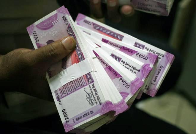 Rs 56 lakhs in 'fake SBI packets' seized in Kolkata. All in Rs 2,000 notes