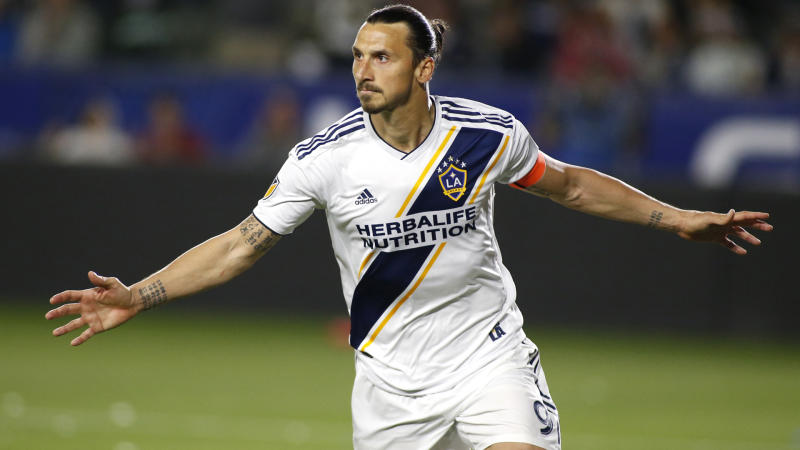 4799e3d80a5 MLS Review: Ibrahimovic lifts Galaxy, LAFC held despite Vela goal