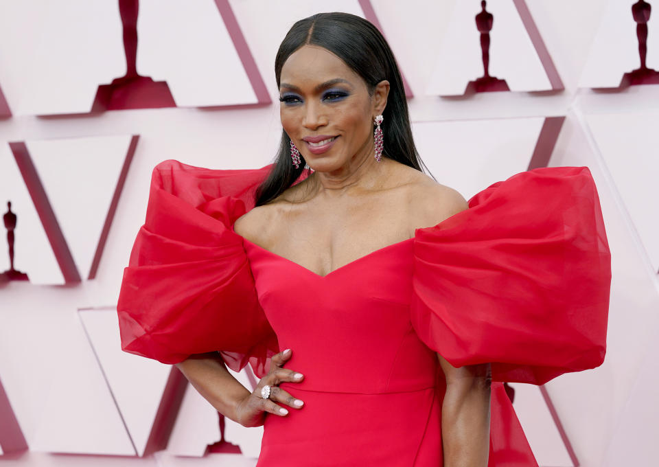 LOS ANGELES, CALIFORNIA – APRIL 25: Angela Bassett attends the 93rd Annual Academy Awards at Union Station on April 25, 2021 in Los Angeles, California. (Photo by Chris Pizzello-Pool/Getty Images)