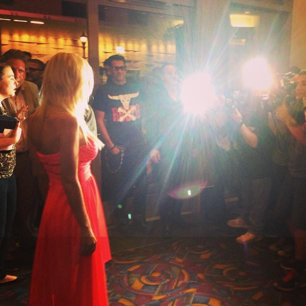 Tara Reid's having a moment. #sharknado #redcarpet