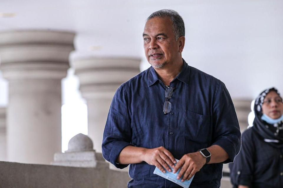 Pejuang secretary-general Datuk Amiruddin Hamzah said the snubs indirectly portrays the RoS as a 'government machinery' with a political motive . — Picture by Hari Anggara