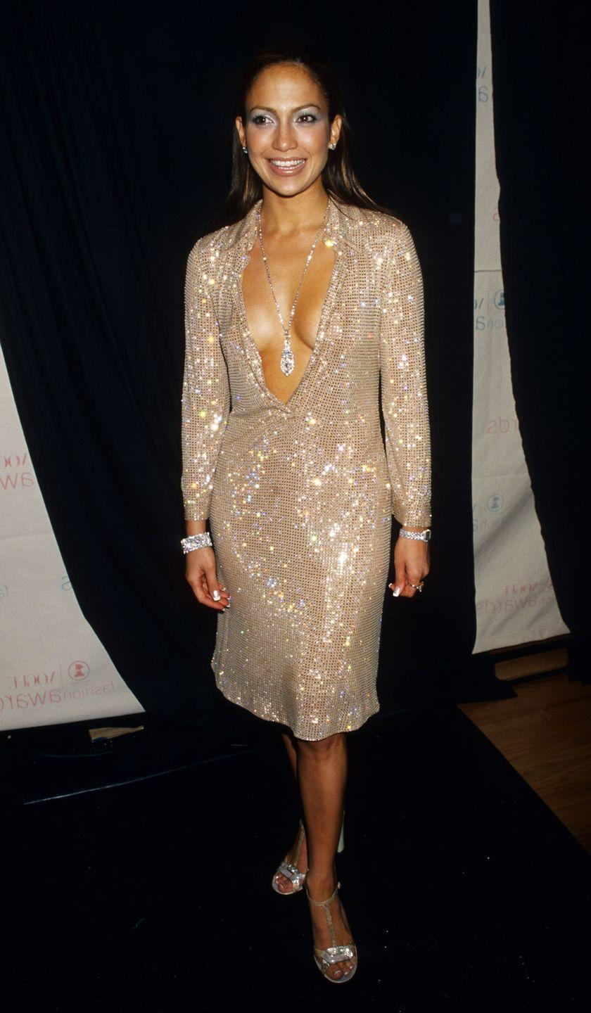 <p>Attending the VH1/Vogue Fashion Awards</p>