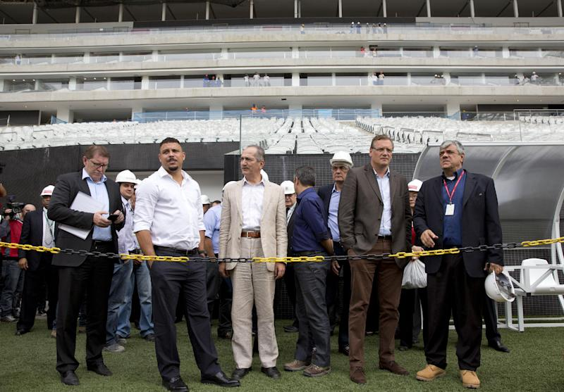 Valcke: Don't waste time at Brazil WCup stadium