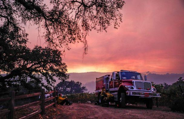 PHOTO: A fire engine waits at the top of a hill overseeing the Kincade Fire in the hills in Geyserville, California, on Thursday, Oct. 24, 2019. (Gabrielle Lurie/San Francisco Chronicle/Polaris)