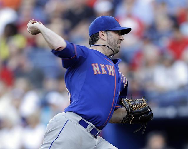 New York Mets starting pitcher Shaun Marcum works in the first inning of a baseball game against the Atlanta Braves, Wednesday, June 19, 2013, in Atlanta. (AP Photo/John Bazemore)