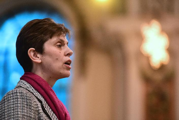 Reverend Libby Lane, the first woman bishop appointed by The Church of England, after a historic change in its rules, in Stockport, northwest England, on December 17, 2014 (AFP Photo/Paul Ellis)