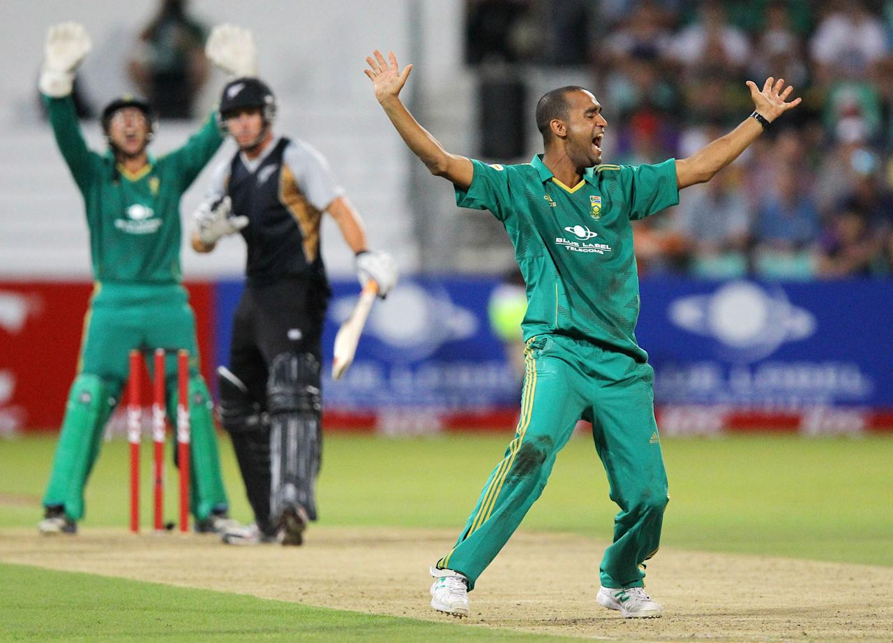 DURBAN, SOUTH AFRICA - DECEMBER 21:  Robin Peterson of South Africa appeals during the 1st T20 match between South Africa and New Zealand at Sahara Park Kingsmead on December 21, 2012 in Durban, South Africa. (Photo by Anesh Debiky/Gallo Images/Getty Images)