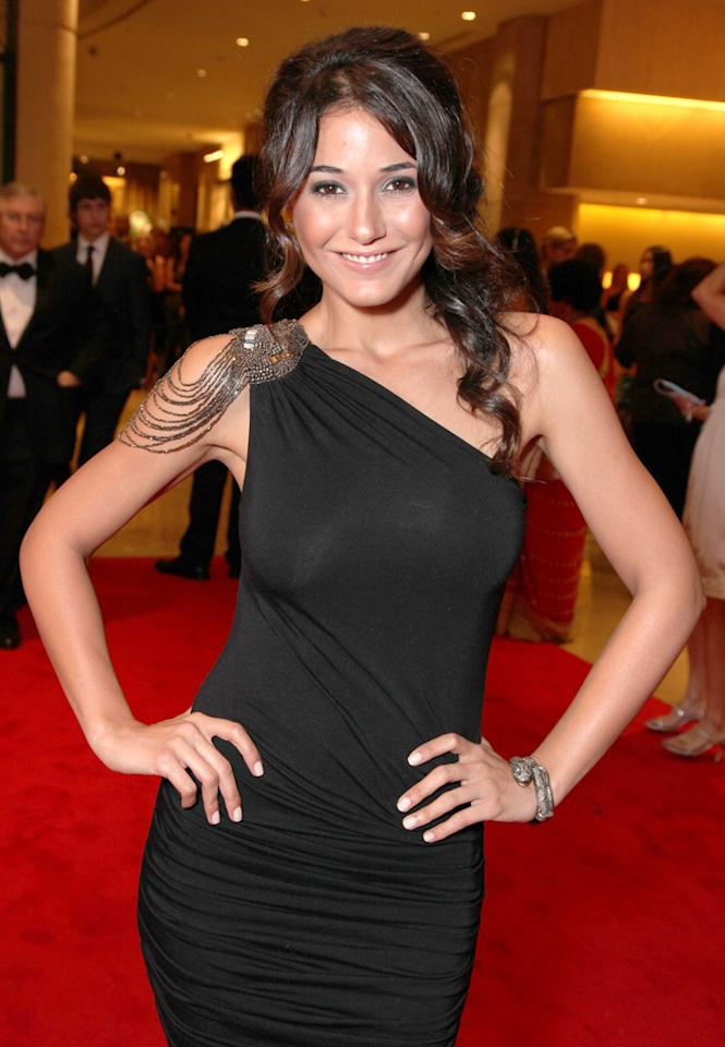 """Entourage"" star Emmanuelle Chriqui turns 34 on December 10."