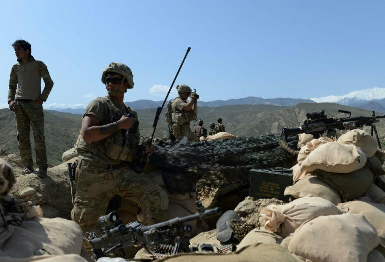 US soldiers have been battling Islamic State (IS) fighters in the Achin district of Afghanistan's Nangarhar province
