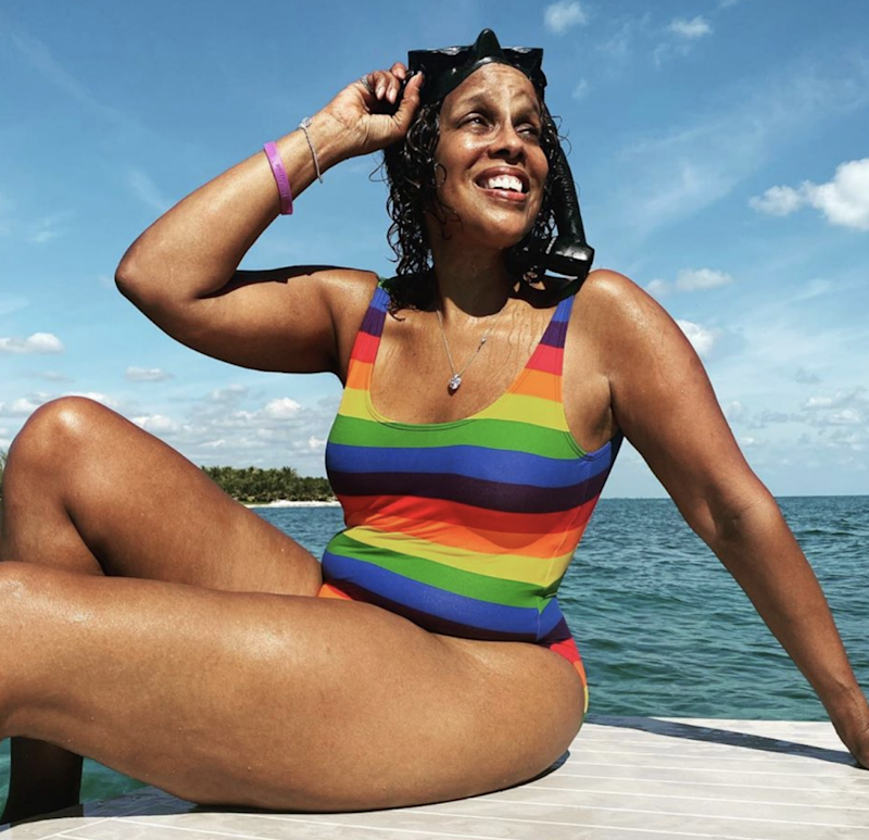 Gayle King has rocked a one-piece while on holiday with her niece. Photo: Instagram/gayleking