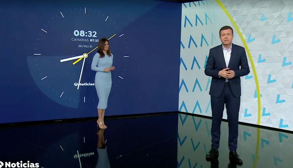 Mercedes Martín y Manu Sánchez, en 'Antena 3 Noticias'. (Photo: ANTENA 3)