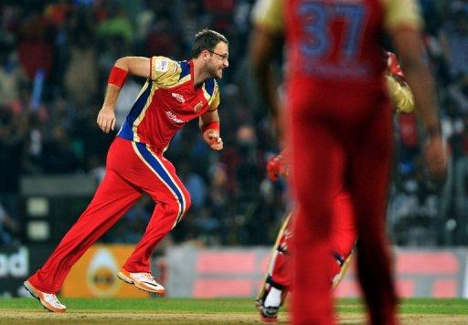 Daniel Vettori has declared himself available for the September-October tournament in Sri Lanka