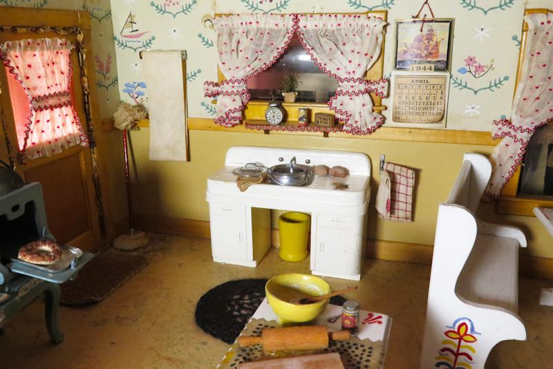 "Frances Glessner Lee, ""Kitchen (detail),"" about 1944-46. Collection of the Harvard Medical School, Harvard University, Cambridge, MA. (Courtesy of the Office of the Chief Medical Examiner Baltimore MD)"