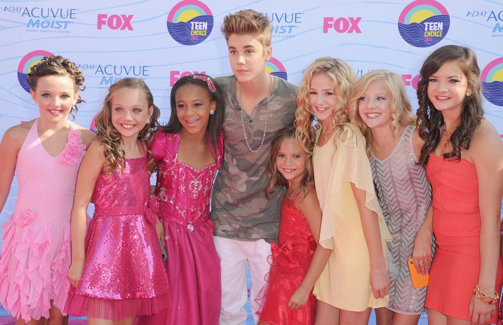 Singer Justin Bieber arrives at the 2012 Teen Choice Awards at Gibson Amphitheatre on July 22, 2012 in Universal City, California.