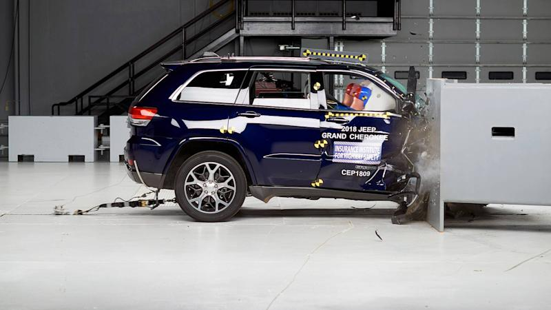 IIHS Passenger Side Small Overlap Crash Test