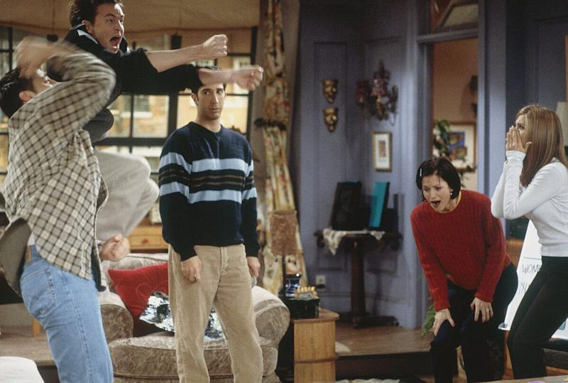 'The One with the Embryos' Episode 12 -- Pictured: (l-r) Matt LeBlanc as Joey Tribbiani, Matthew Perry as Chandler Bing, David Schwimmer as Ross Geller, Courteney Cox as Monica Geller, Jennifer Aniston as Rachel Greene (Photo by J. Delvalle/NBC/NBCU Photo Bank via Getty Images)