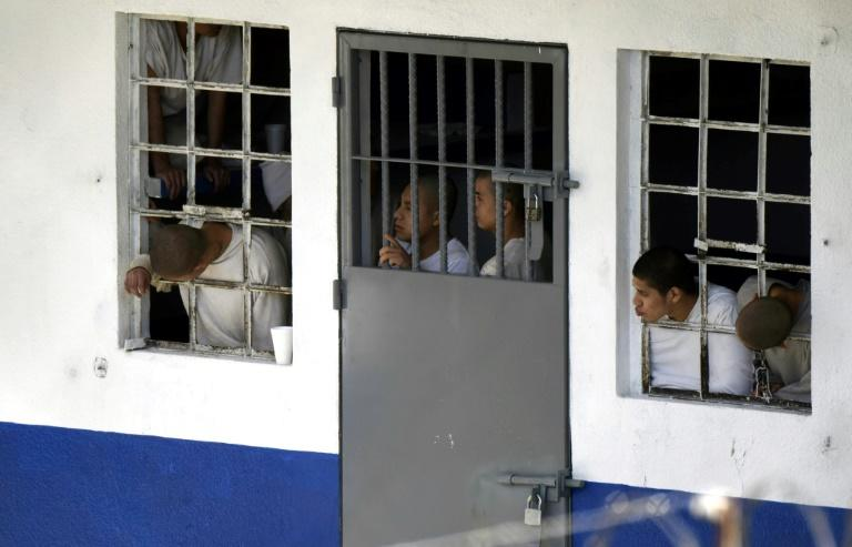 Police storm Guatemala juvenile centre to free guards