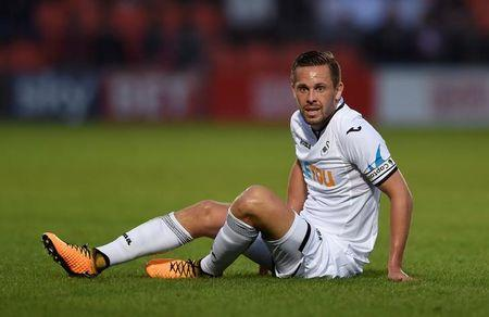 Football Soccer - Barnet vs Swansea City - Pre Season Friendly - London, Britain - July 12, 2017   Swansea's Gylfi Sigurdsson   Action Images via Reuters/Adam Holt