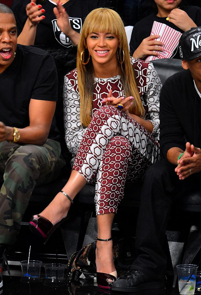 NEW YORK, NY - NOVEMBER 03:  Beyonce Knowles attends Toronto Raptors vs Brooklyn Nets at Barclays Center on November 3, 2012 in Brooklyn, New York.  (Photo by James Devaney/WireImage)