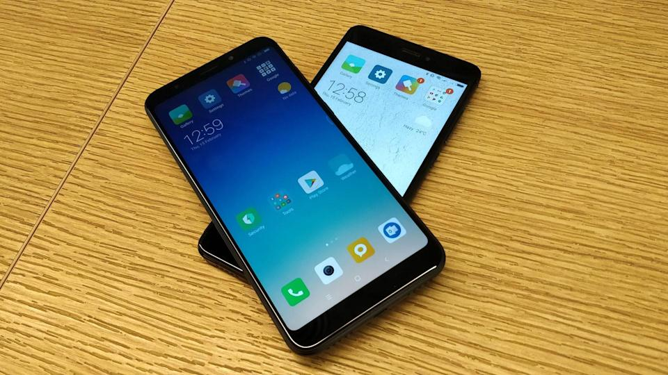 Both Redmi phones come with IPS LCD display. The Redmi Note 5 (on top) sports a resolution of 1080x2160