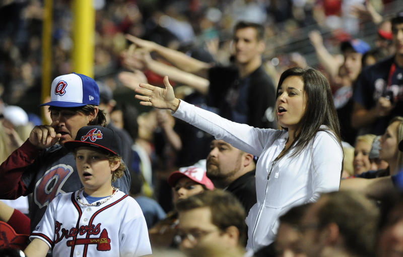 Braves remove 'Chop On' sign, slogan, but no call on chant