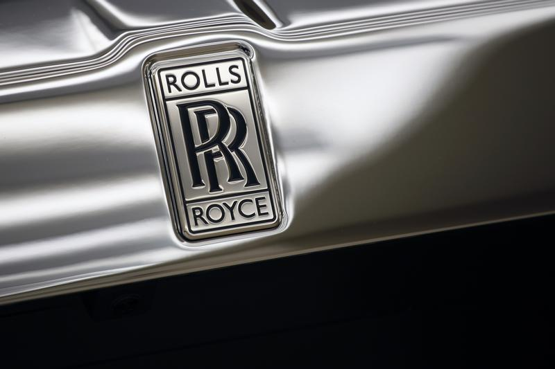 """The Rolls-Royce logo is pictured on a Rolls-Royce """"Phantom"""" car at a Rolls-Royce showroom in Hong Kong"""