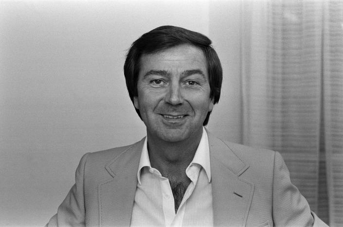 Entertainer Des O'Connor. October 1983. (Photo by Staff/Mirrorpix/Getty Images)