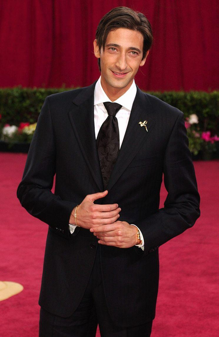 """The Pianist"" star Adrien Brody wearing his Henry Dunay peace pin at the Oscars. (Photo: Kim D. Johnson/AP)<br>"
