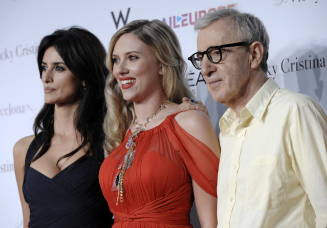 Woody Allen poses with Penelope Cruz and Scarlett Johansson (Credit: AP Photo/Chris Pizzello)
