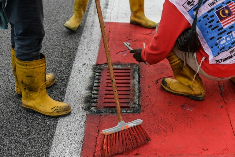 Drain cover blow-out prompts track safety check