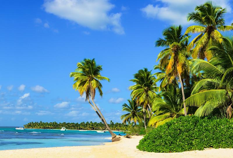 The beaches that attract honeymooners to Mauritius can be enjoyed for a fraction of the cost - A.Jedynak - Fotolia