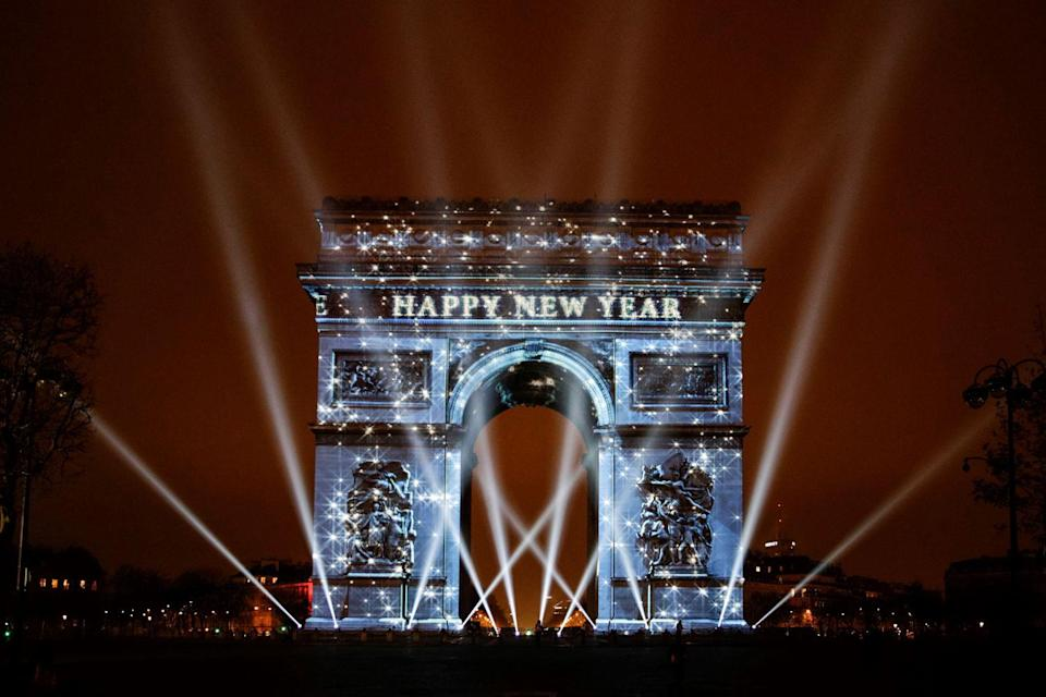 """<p>The stroke of midnight on New Year's Eve isn't just about belting Auld Lang Syne with a <a href=""""http://www.housebeautiful.com/entertaining/holidays-celebrations/g4068/champagne-cocktails/"""" rel=""""nofollow noopener"""" target=""""_blank"""" data-ylk=""""slk:glass of champagne"""" class=""""link rapid-noclick-resp"""">glass of champagne</a> in hand. Countries <a href=""""http://www.housebeautiful.com/entertaining/holidays-celebrations/g2961/christmas-around-the-world/"""" rel=""""nofollow noopener"""" target=""""_blank"""" data-ylk=""""slk:across the globe"""" class=""""link rapid-noclick-resp"""">across the globe</a> have their own unique ways of celebrating the fresh start. </p>"""